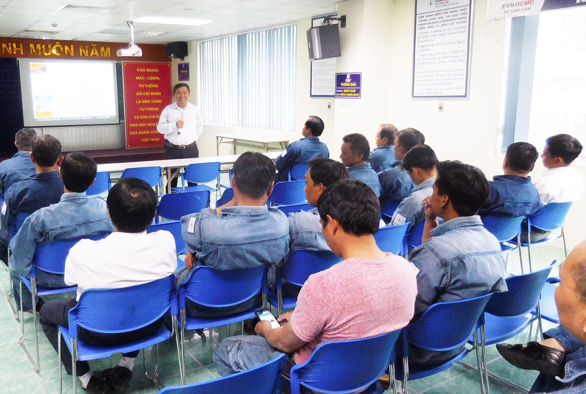 Khai giảng lớp ATLĐ nhóm 3,4, nhóm thiết bị nâng - CÔNG TY ĐIỆN LỰC CHỢ LỚN Ngày 18/07/2018